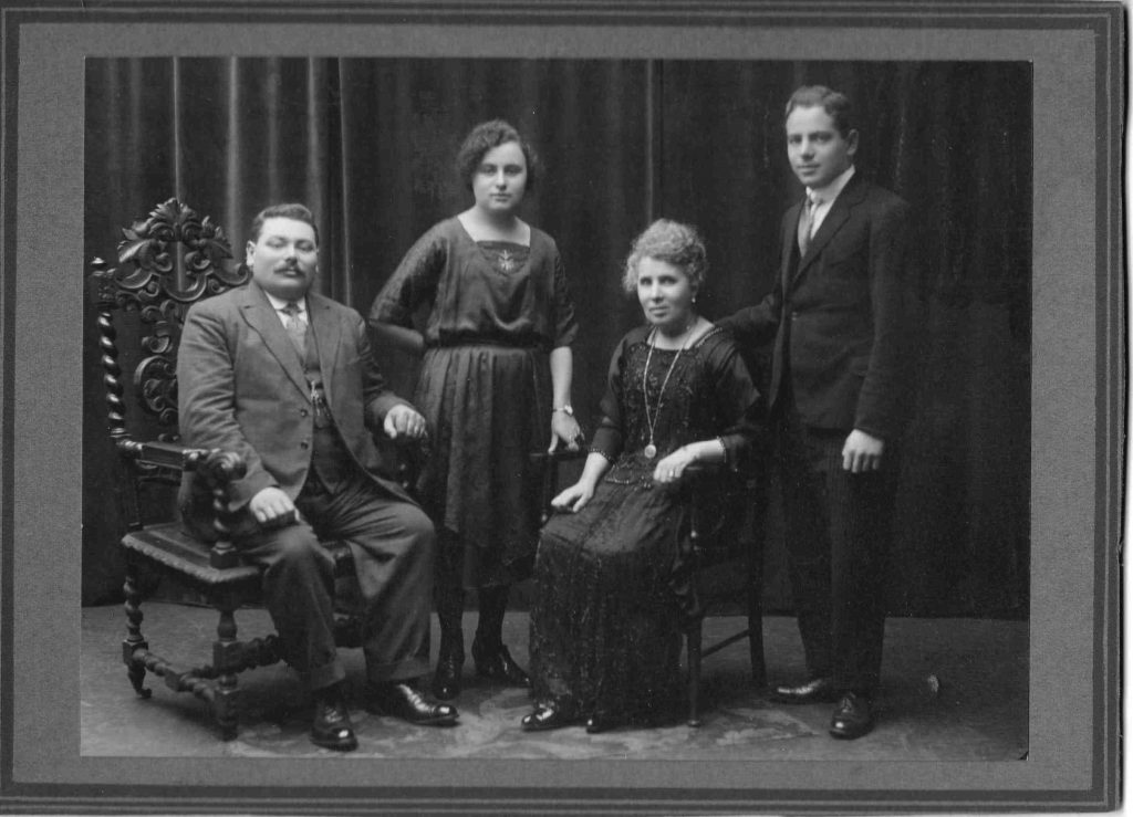 Davis and Fagah Senker, seated, with daughter Sophie and son Sender