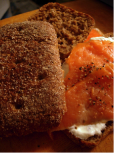 Smoked salmon on rye bread (Flickr.com)